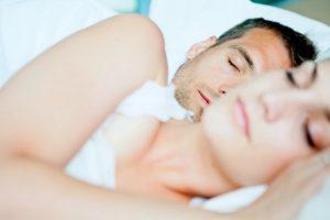 Dormire-con-il-partner-fa-bene-secondo-la-scienza